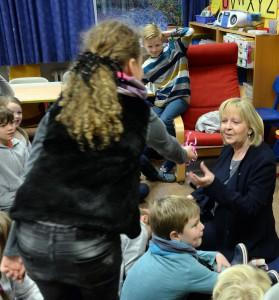 Besuch von Hannelore Kraft in der Klasse 3a am 11.11.2016.Foto: Oliver Müller