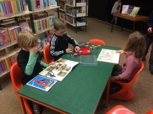 Büchereibesuch_04